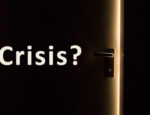 De deur op een kier, crisis!